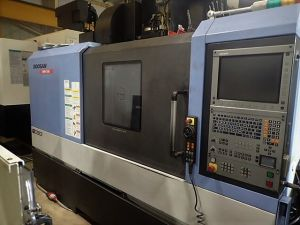 Centre d'usinage vertical CNC DOOSAN DNM 500