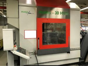 Centre d'usinage CNC 5 axes MATEC 30 HV/K